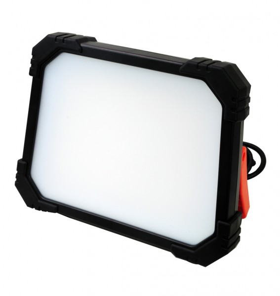 LED Arbeitsleuchte mit 2 Steckdosen